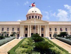 Danilo Medina designa nuevo director de ARS Semma y diplomáticos en Haití