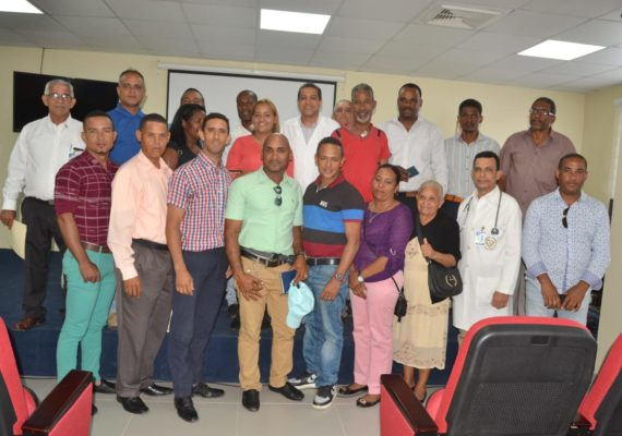 Director Hospital Calventi  coordina con comunitarios la realización de operativos médicos en municipio Los Alcarrizos